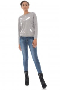 A fine knitted jumper, Aimelia Br2433 in Grey ,with a leaf design.