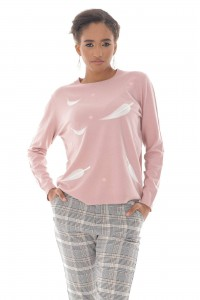 A fine knitted jumper, Aimelia Br2435 in Pink ,with a leaf design.