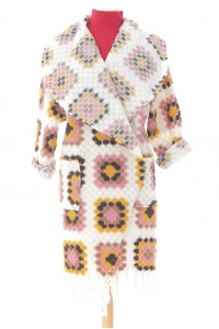 Colourful oversized coatigan, Aimelia Jr550,in Cream with two pockets and fringing detail.