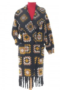 Colourful oversized coatigan, Aimelia Jr551,in Black and Yellow with two pockets and fringing detail.