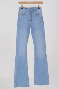 Flared denim jeans,Aimelia Tr436,in light Blue, with a high waist.