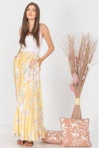 Full circle maxi skirt , Aimelia Fr500 in Lemon, with an elasticated waist and pockets.