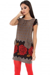 Soft knit tunic, Aimelia Dr2801, in Mocha , with two pockets .