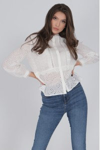 Delicate Cotton blouse, Aimelia Br2418,Off White,with a lace trim.